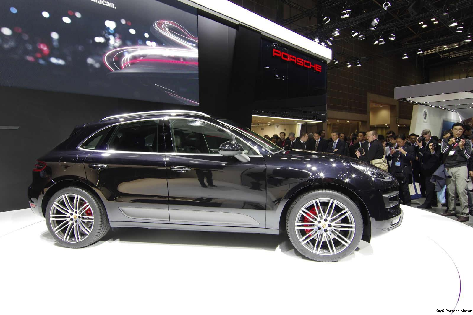 macan-turbo-side