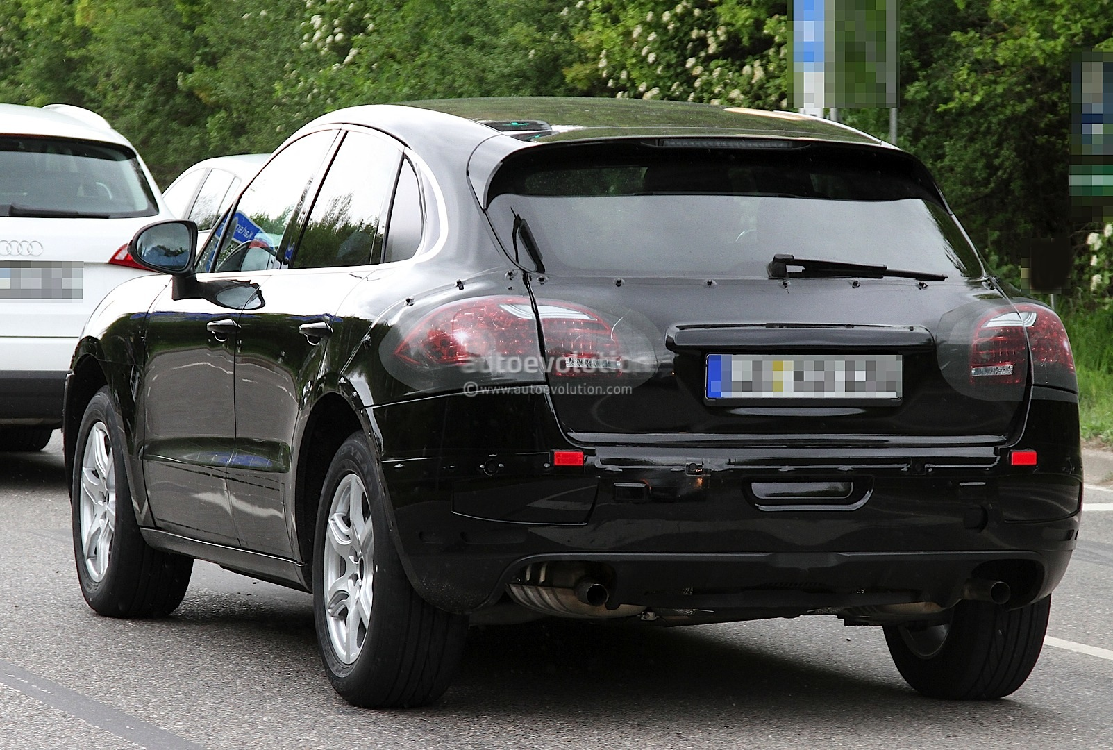 spyshots-porsche-macan-first-photos_7