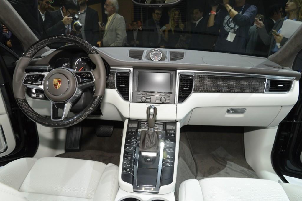 Салон Porsche Macan carbon