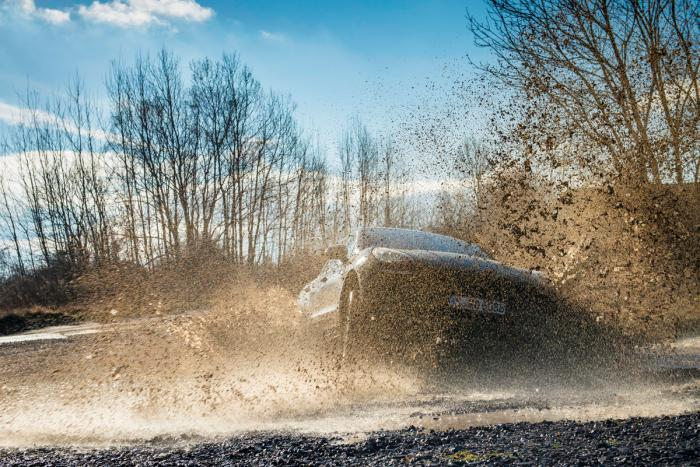 porsche_macan_turbo_mud_0