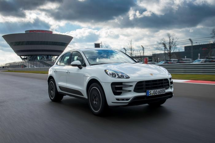 porsche_macan_turbo_white