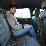 porsche_macan_vs_range_rover_evoque_rear_seats